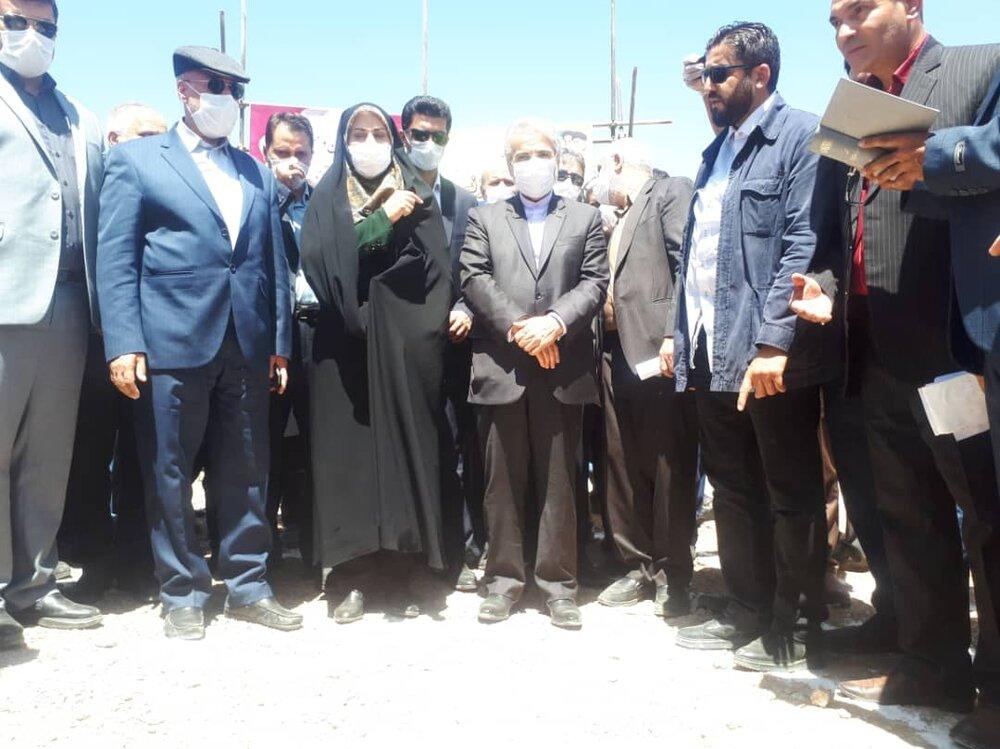 کلنگ احداث ۴ هزار واحد مسکونی محرومان در شهرضا به زمین زده شد