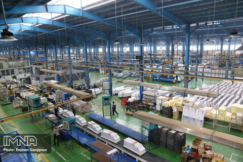 ۱۱۱۵ واحد صنعتی فعال شده است