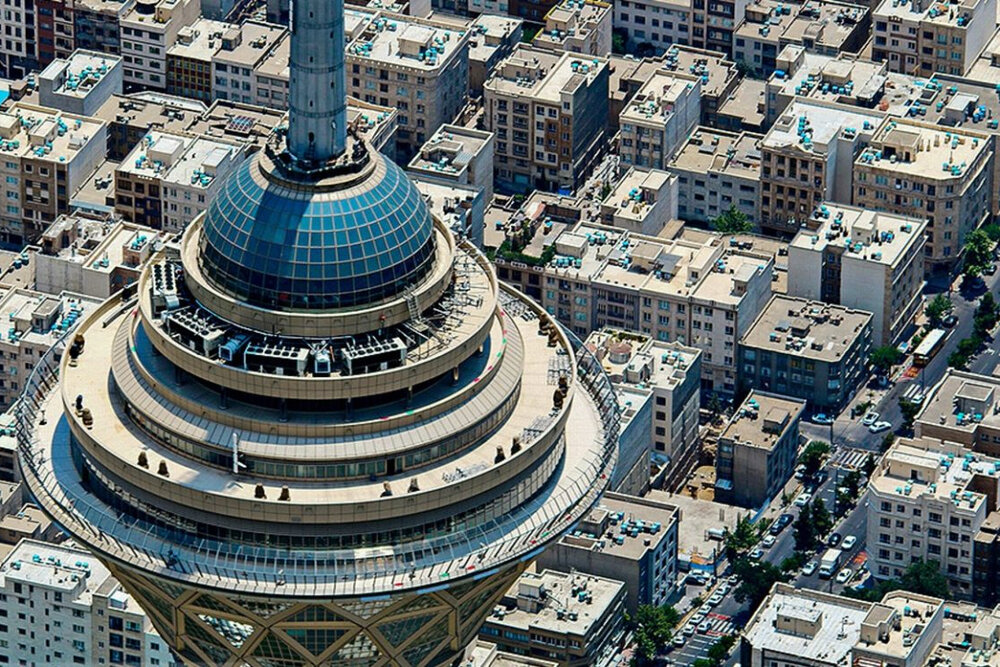 پنهانکاری در هزینه و درآمد برج میلاد