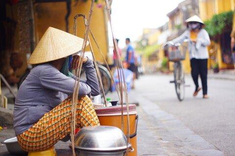 دستفروشی؛ راهکار چین برای عبور از بحران بیکاری پساکرونا!