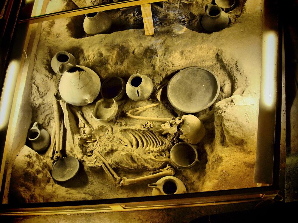 گور عصر آهن در قزوین کشف شد
