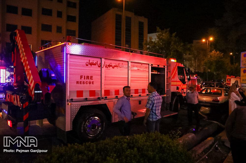 گزارش ۲۲۰ حادثه و حریق در اصفهان / ۱۲۰ نفر نجات یافتند