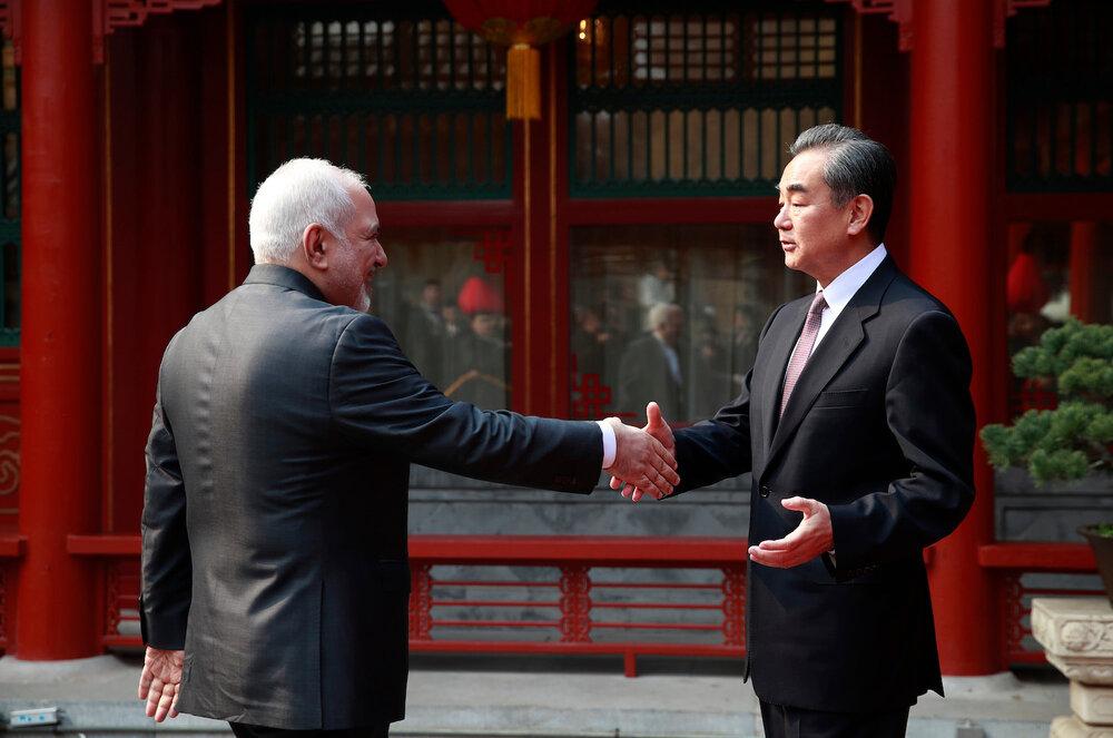 سند ۲۵ ساله ایران و چین باعث کاهش ارزش دلار میشود