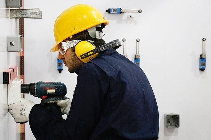 نیروی کار صنایع هرمزگان با مهارت آموزی جوانان تامین میشود