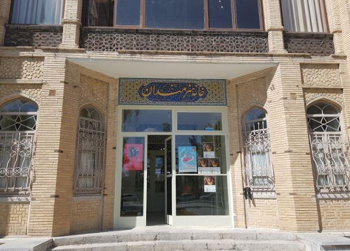 هنرمندان اصفهان نیاز به انعکاس اخبار از جانب رسانههای خارجی ندارند