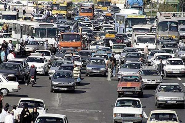 تردد ۴۰۰ هزار خودروی فرسوده در شهر تهران