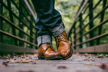 کفش مناسب مردان در فصل گرما + راهنمای انتخاب و خرید