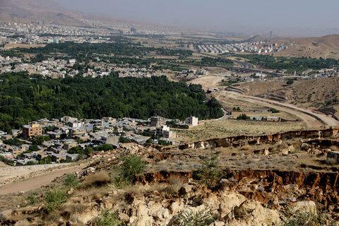 شهرداری شیراز هزینه انتقال ساکنان در معرض خطر کوه منصورآباد را پرداخت میکند