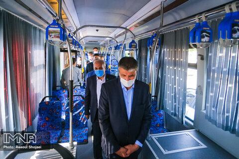 آغاز به کار ۸۰ دستگاه اتوبوس شهری اصفهان با فرمان وزیر راه و شهرسازی