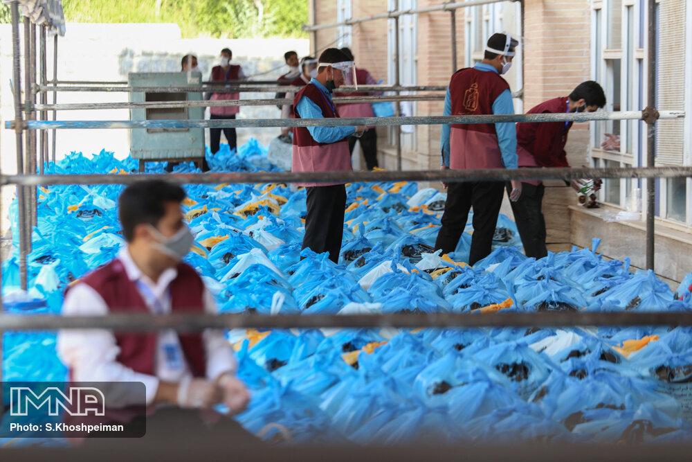 توزیع ۲۱۰ هزار بسته معیشتی بین نیازمندان از ابتدای ماه رمضان تاکنون