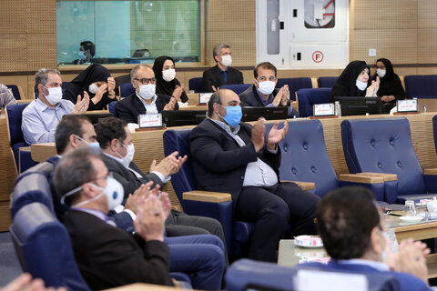 ۱۰ عضو شورا به شهردار مشهد تذکر دادند