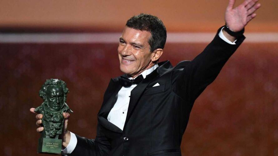 آنتونیو باندراس به کرونا مبتلا شد