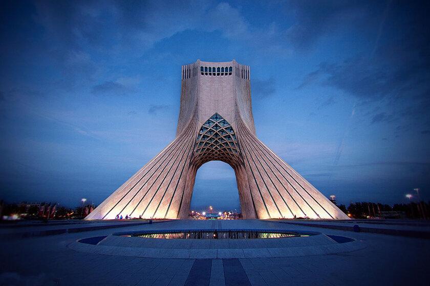 ۱۴۰۰ را سال مکتب تهران معرفی کنیم