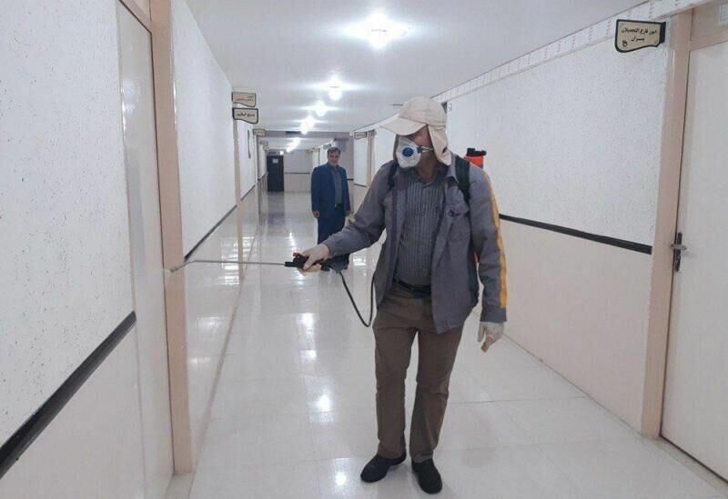 تهیه ماسک و مواد ضدعفونی برای کارکنان شهرداری فارسان