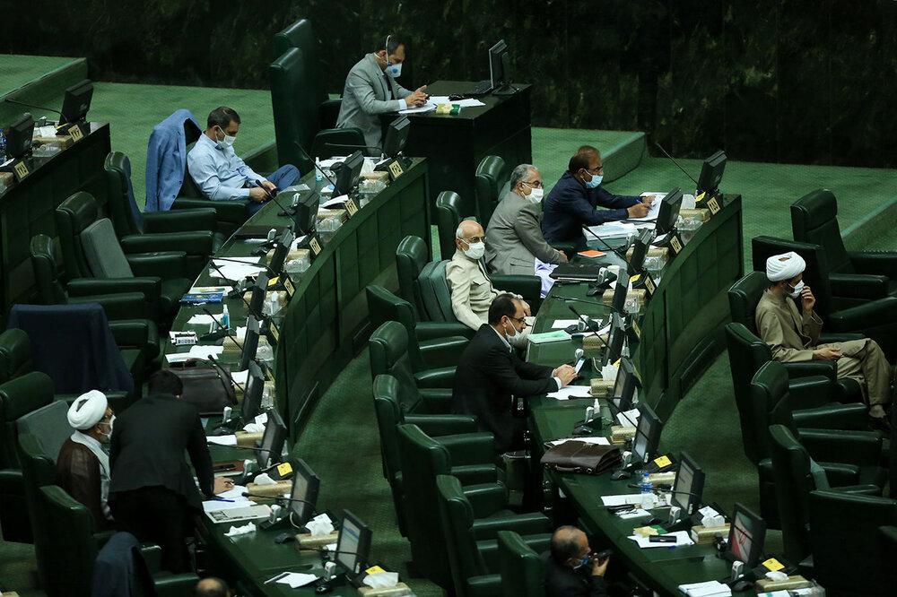 هشدار مجلس نسبت به افزایش آلودگی هوا اصفهان