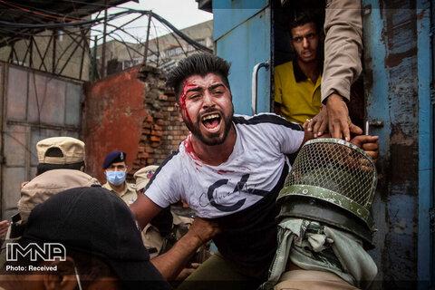 پلیس هند یک مسلمان شیعه کشمیری را هنگام تلاش وی و همراهانش برای انجام یک دسته مذهبی  بازداشت کرد