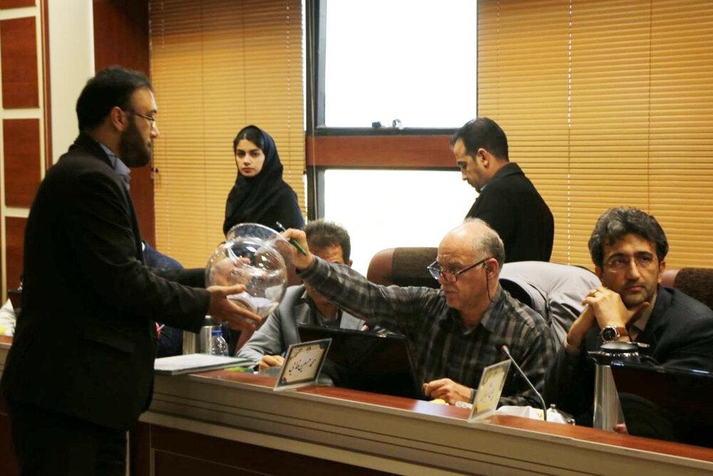 اعضای هیئت رئیسه شورای شهر اراک انتخاب شدند