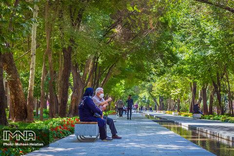 اصفهان، نگین فیروزه ای در قلب ایران