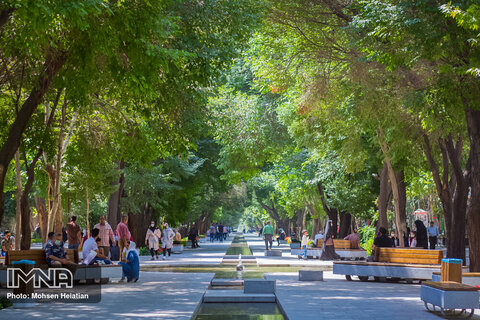 Developing 15 km pedestrian zone in Isfahan