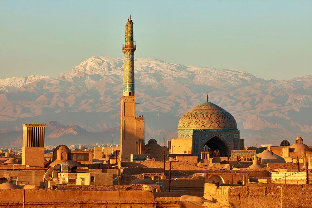 ساخت سایبان همسان با معماری اصیل در پیادهروهای یزد