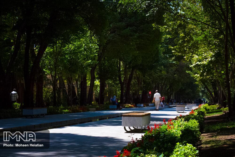 اصفهان با خانه تکانی شهر به استقبال بهار می رود