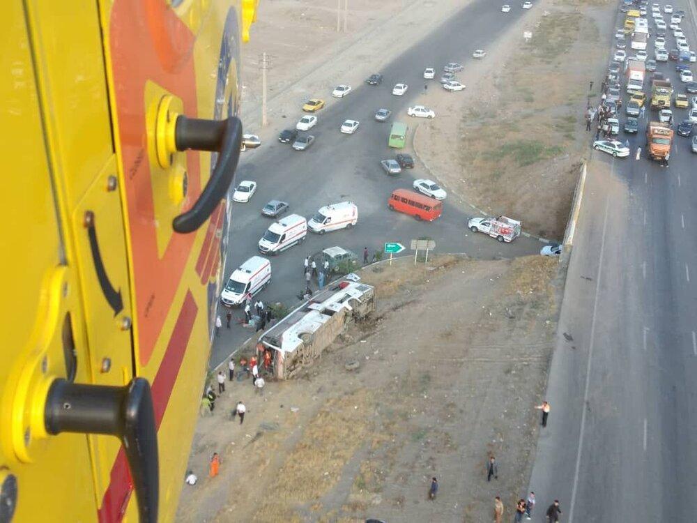 دو کشته و ۲۵ مصدوم در واژگونی اتوبوس کرج-قزوین