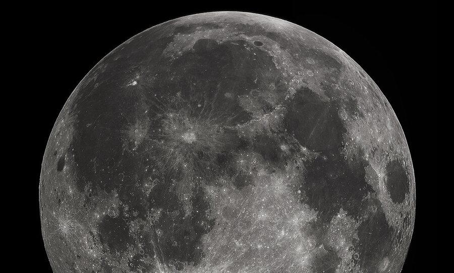 ماه سیستم تکتونیکی فعال دارد
