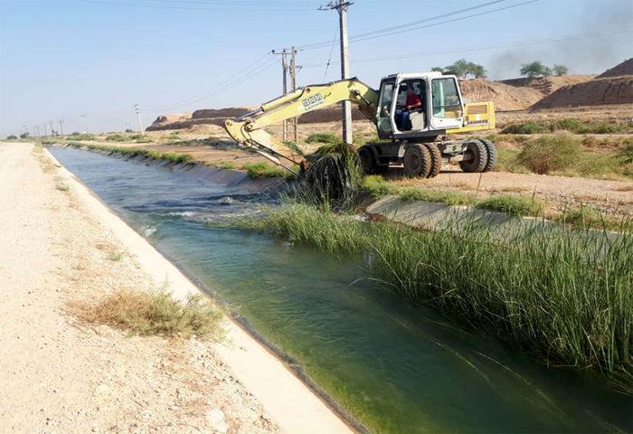 آغاز عملیات لایروبی کانالها و جداول منطقه سه شیراز