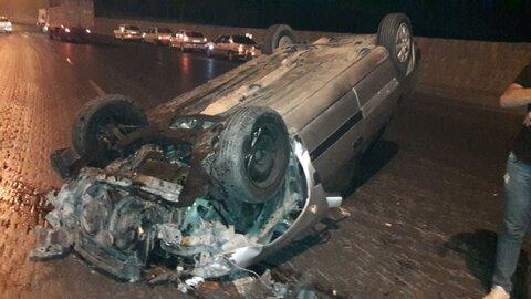 جان باختن راننده در پی واژگونی مرگبار خودروی سواری