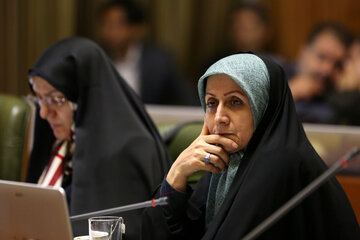 شورای پنجم تهران در آیینه فشارها و چالشها