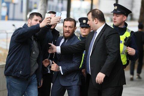 مکگریگور به اتهام آزارجنسی بازداشت شد