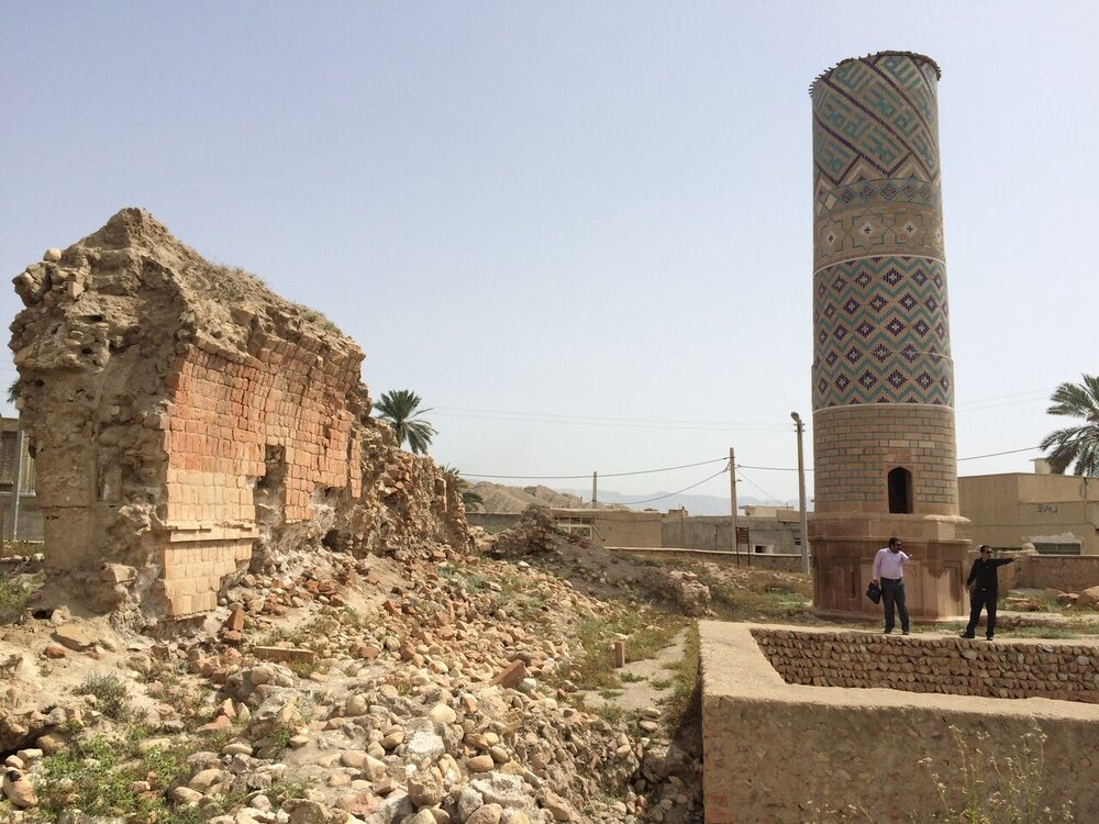 کاوش در محوطه آرامگاه شیخ دانیال خنج