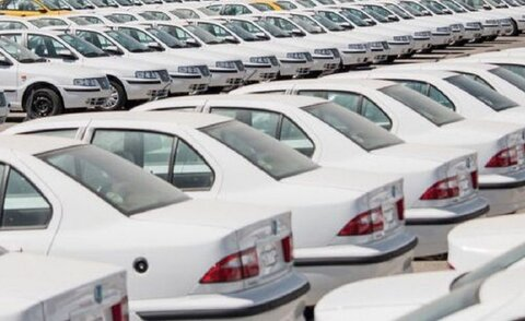 ظاهرا افزایش قیمت ارز تابعی از افزایش قیمت خودرو است
