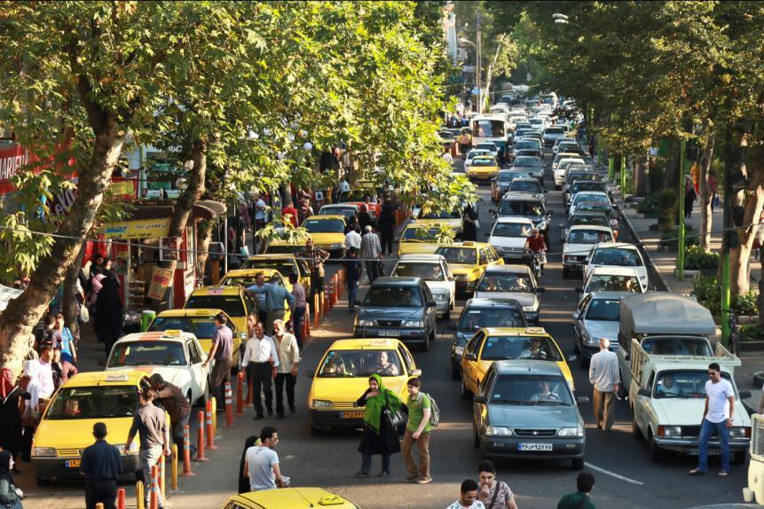 معضلات ترافیکی لاهیجان با احداث سرعتگیر حل نمیشود
