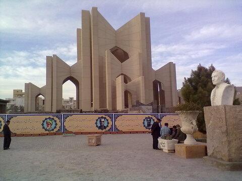 بازسازی مقبرهالشعرا مطالبه مردم تبریز است