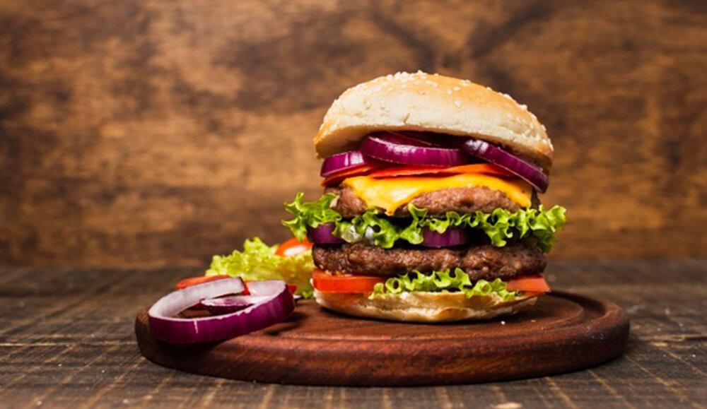 طرز تهیه همبرگر خانگی؛ آسان و رستورانی