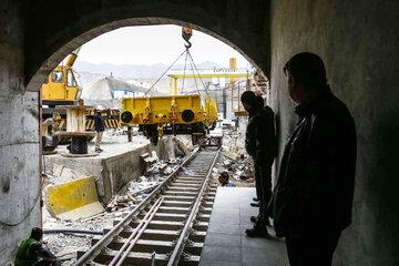 بار اصلی توسعه مترو به دوش مردم بوده است