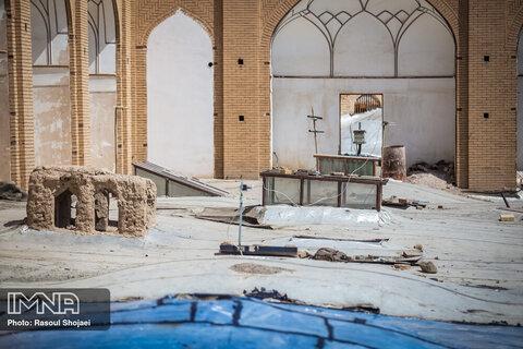 نازیبایی بازار قدیمی اصفهان
