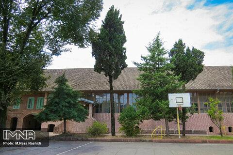 مدرسه تاریخی حکیم نظامی آستارا
