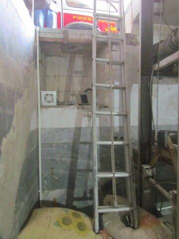 سقوط بالابر مصالح روی دو کارگر ۴۰ ساله + عکس