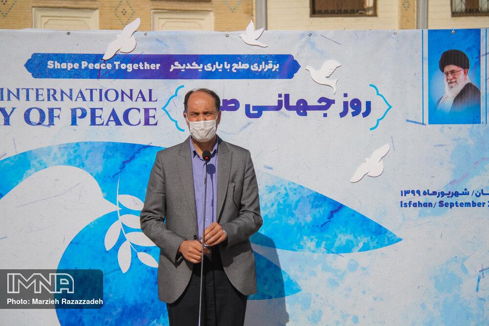 نصراصفهانی: برای حاکمیت صلح در جامعه تلاش کنیم