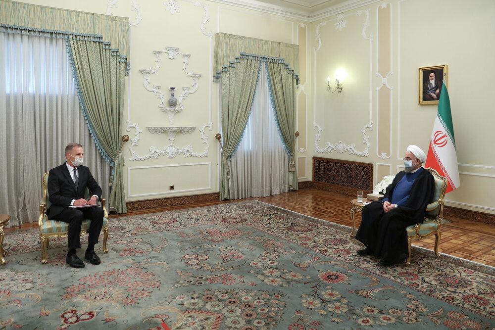 همکاری های اقتصادی ایران و آلمان بدون توجه به تحریمها گسترش یابد