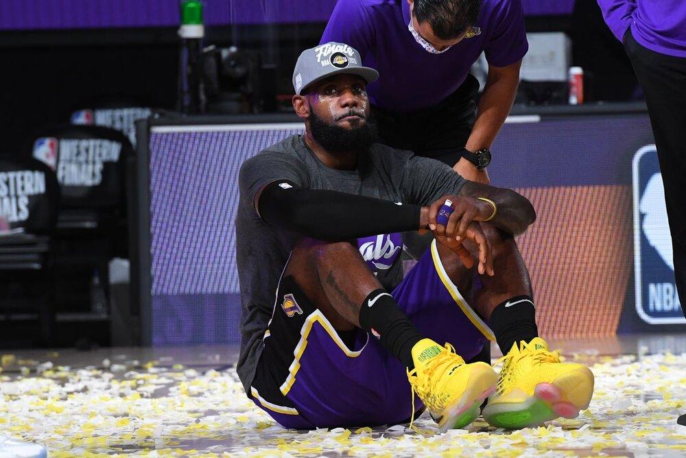 لیگ بسکتبال NBA/ شکست گلدن استیت و پیروزی لس آنجلس لیکرز