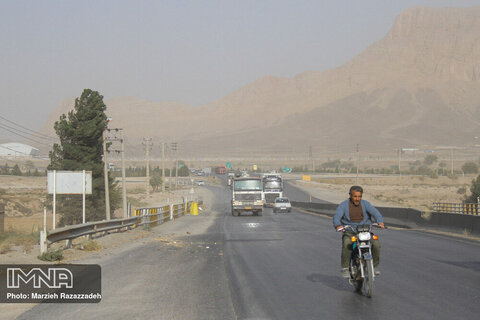 غبار محلی پدیده غالب مناطق صنعتی و مرکزی اصفهان