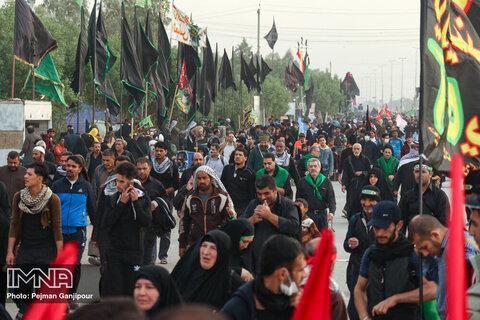 همراهی مردمی در اربعین، پیوند ناگسستنی امام و امت را به تصویر کشید