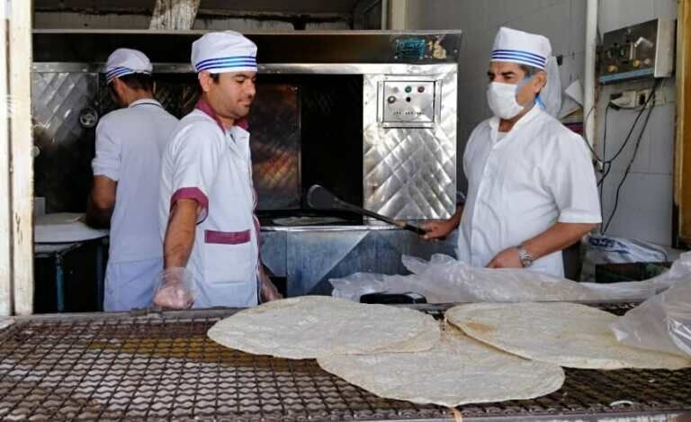 توصیههای وزارت بهداشت درباره حضور در نانوایی و خرید نان در شرایط کرونا