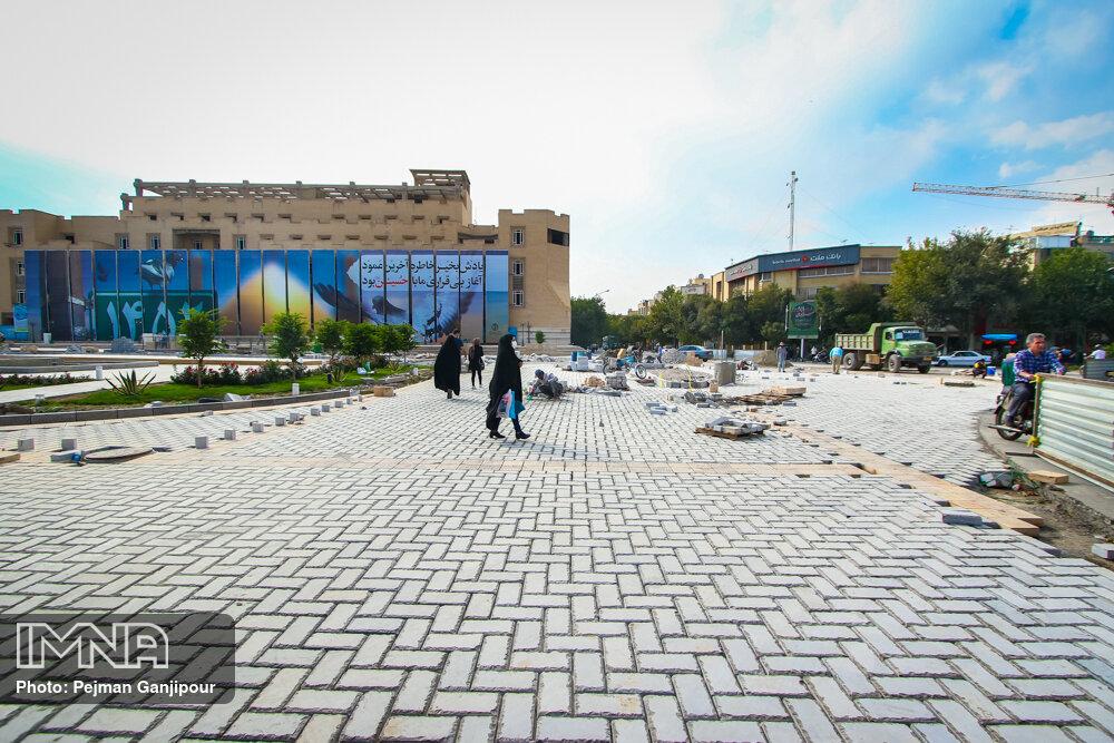 اتمام عملیات کفسازی میدان امام حسین(ع) تا ۲۰ روز آینده
