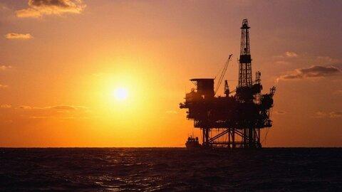 افزایش قیمت نفت و کاهش بهای طلا در بازارهای جهانی
