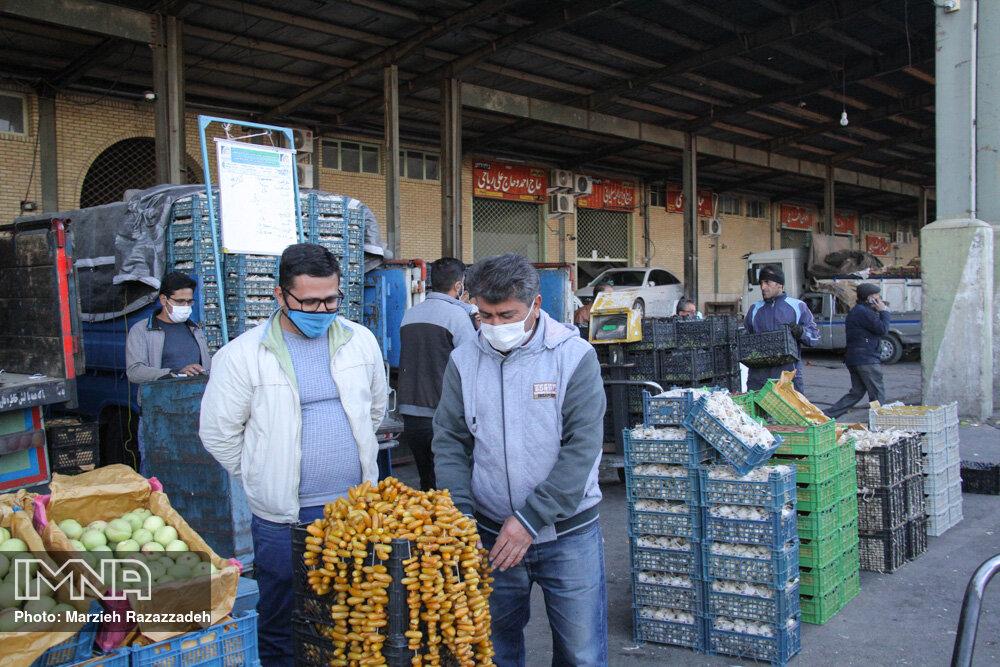 مشارکت شهرداری گلپایگان در  کنترل قیمت میوه و ترهبار
