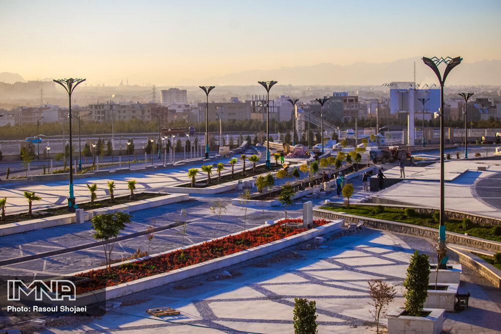 احداث نمایشگاه بین المللی با استانداردهای روز ویترین اصفهان است